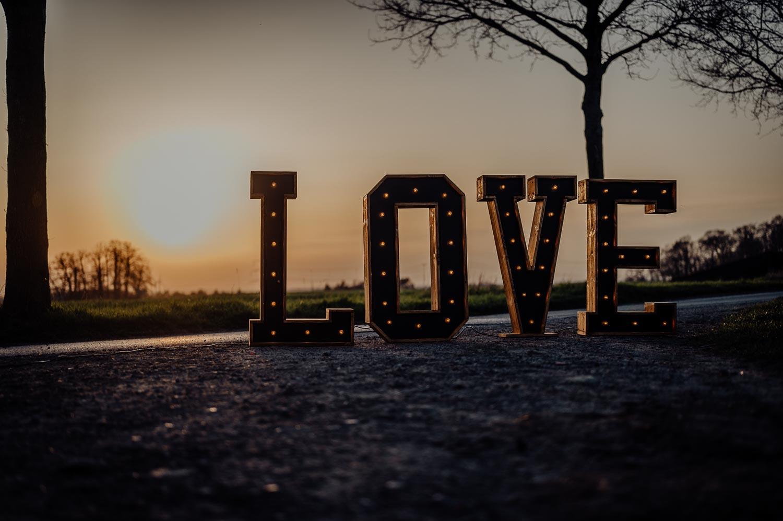 Leuchtbuchstaben Dekobuchstaben Hochzeitsdeko Holzbuchstaben LOVE